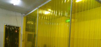 Rèm (màn) nhựa PVC kéo xếp ngăn lạnh giá rẻ Tphcm